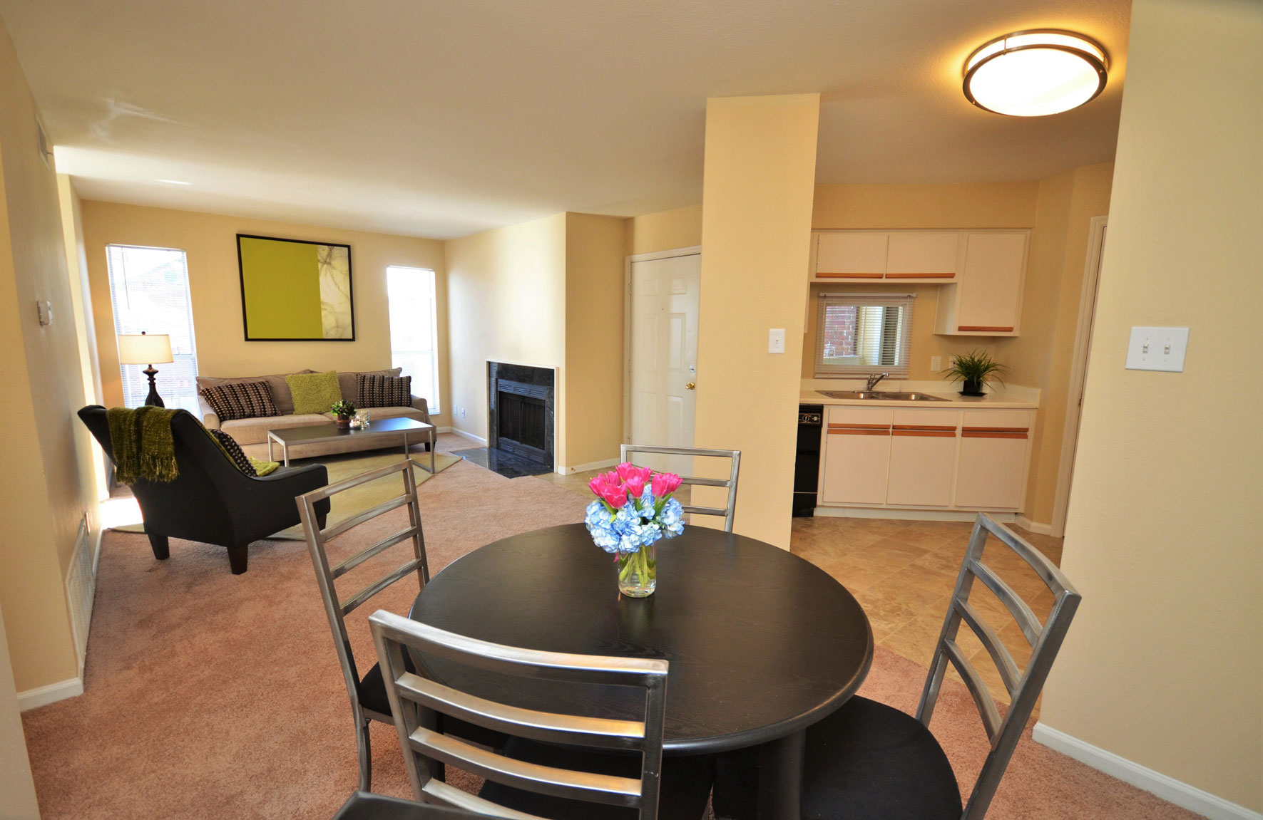 Peachtree Apartments in Chesterfield, MO | Mills Properties | Mills ...