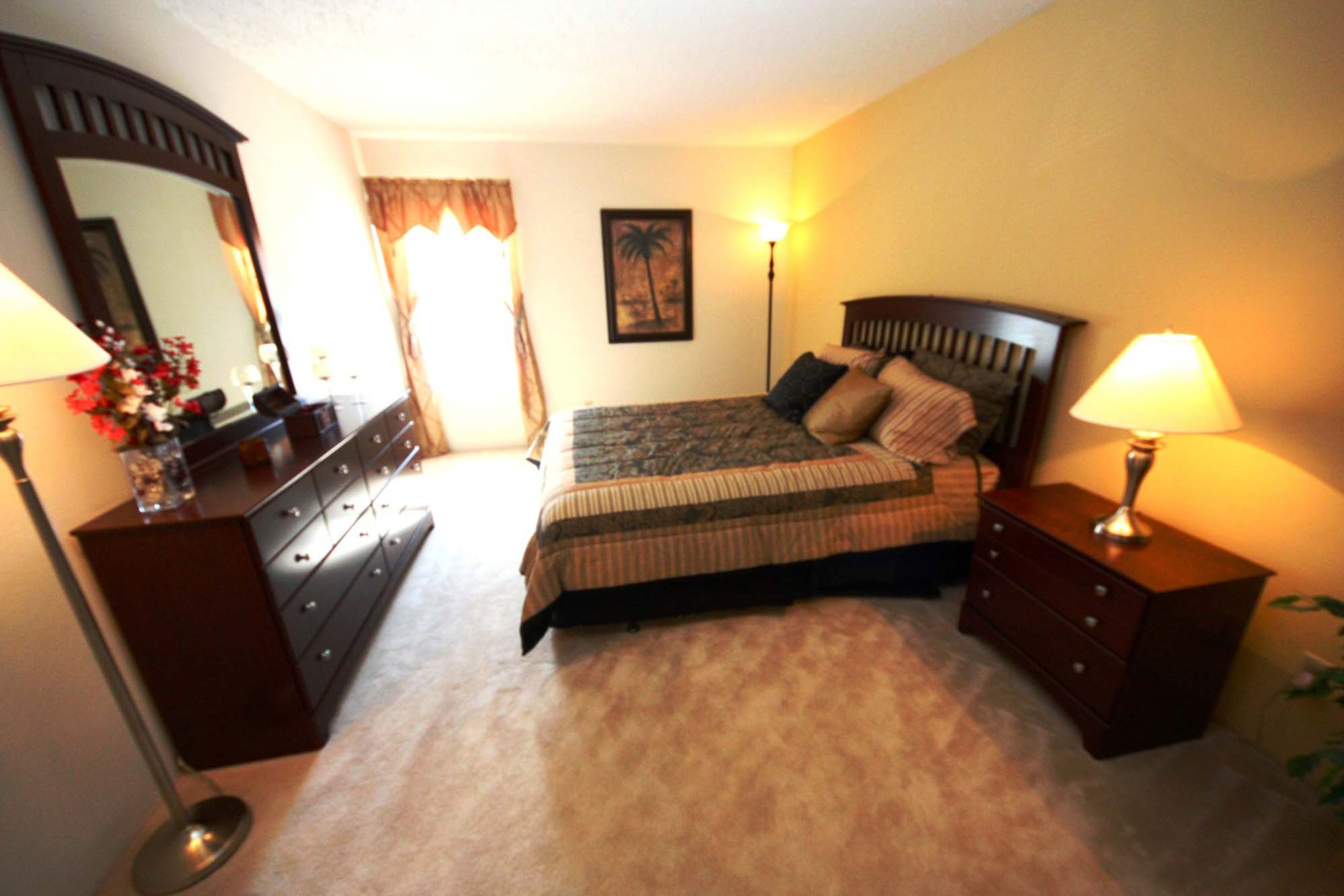 Village Green Apartments in the Chesterfield, MO | Mills ...