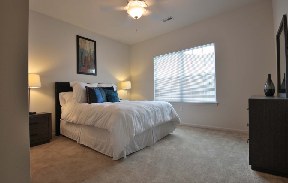 Celtic Crossing Apartments in St  Peters, MO | Mills Apartments