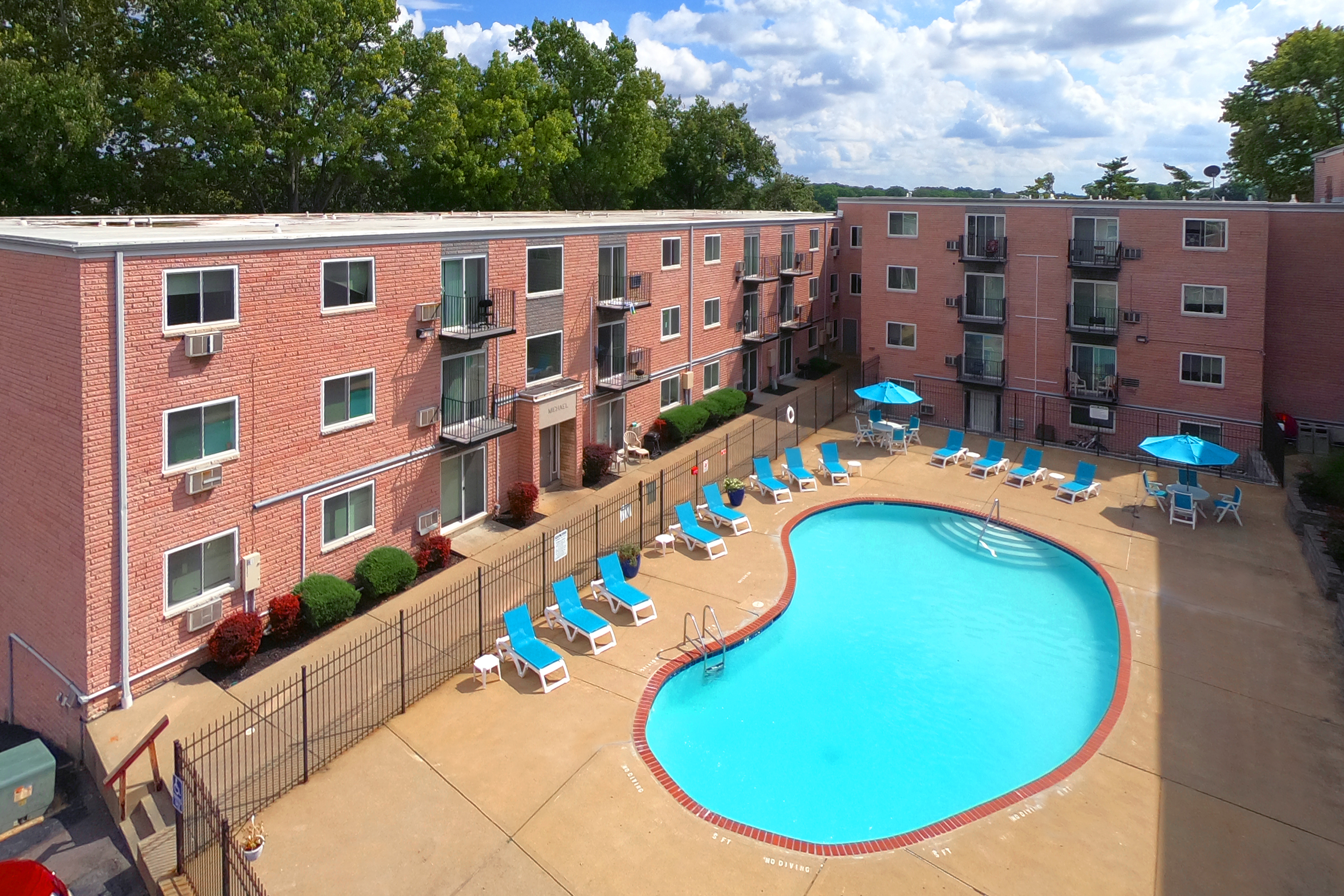 Park Val Apartments Pool